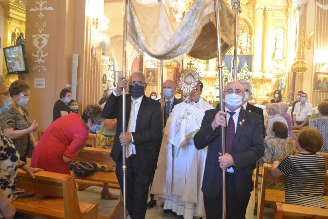 Una misa y una procesión por el interior de la iglesia de San Juan, únicos actos en el Día Grande del Patrón, Corpus Christi - 1, Foto 1