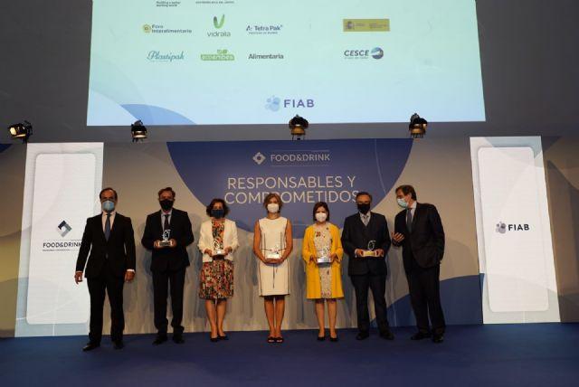 Tomás Fuertes recibe el Reconocimiento de FIAB por su entrega y contribución al impulso del sector agroalimentario español, Foto 1