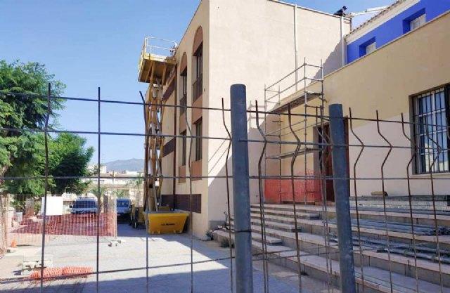 """Las obras de rehabilitación del teatro de """"La Cárcel"""" se centran estas semanas en el arreglo y acondicionamiento de la cubierta de esta infraestructura, Foto 1"""