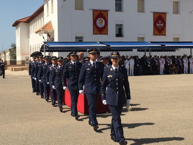 Los Reyes presiden en San Javier la entrega de despachos a los 99 nuevos Tenientes del Ejército del Aire en la AGA - 2, Foto 2