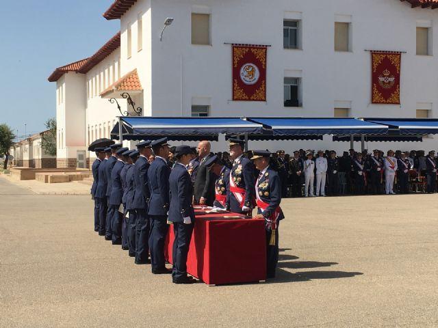 Los Reyes presiden en San Javier la entrega de despachos a los 99 nuevos Tenientes del Ejército del Aire en la AGA - 3, Foto 3