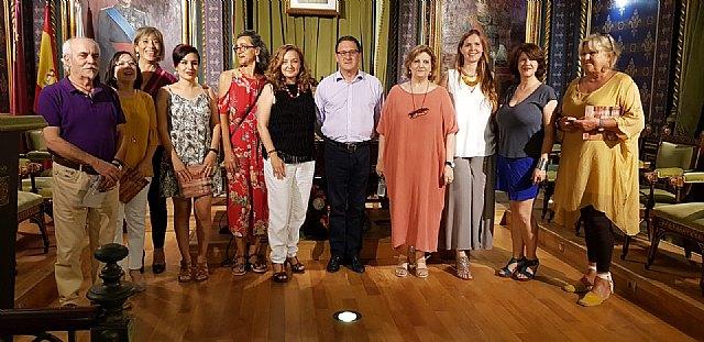 Lola Navarro y Portales del Arte exponen en Casas Consistoriales, Foto 1