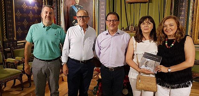 Lola Navarro y Portales del Arte exponen en Casas Consistoriales, Foto 2