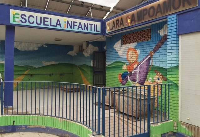 """The Department of Services 4289.72 euros invested in improvements in infant school """"Clara Campoamor"""""""