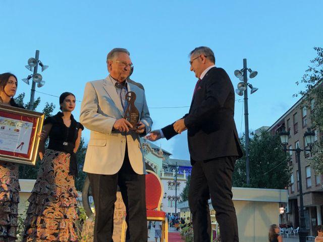 ELPOZO ALIMENTACIÓN recibe el premio Pencho Cros al mecenazgo, Foto 2