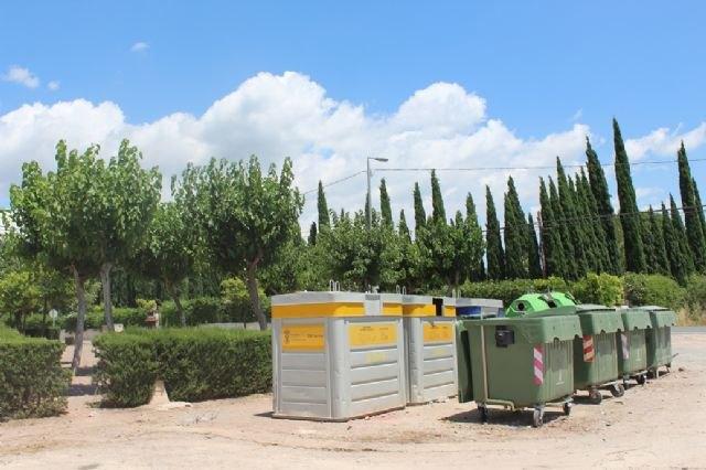 Instan a realizar un uso adecuado de los contenedores en las zonas de los Huertos y las pedan�as en verano, Foto 2