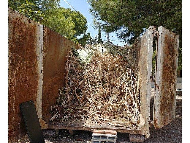 Instan a realizar un uso adecuado de los contenedores en las zonas de los Huertos y las pedan�as en verano, Foto 4