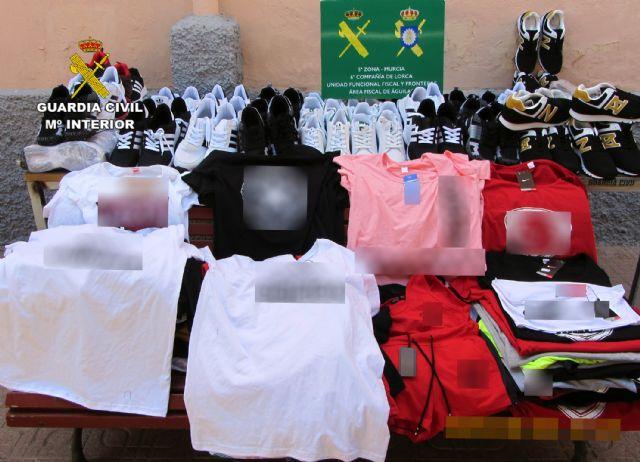 La Guardia Civil se incauta de 1.500 productos falsificados e investiga a cuatro personas, Foto 2