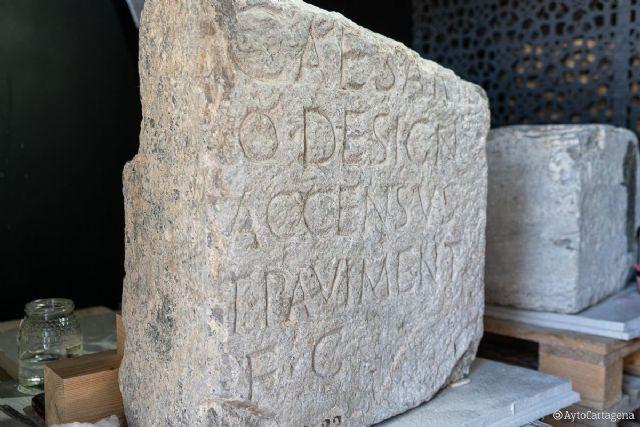 Regresan a Cartagena dos pedestales epigráficos del Foro de la Colonia Romana - 1, Foto 1