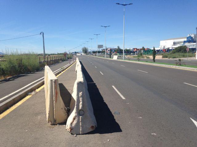 El PSOE muestra su perplejidad por que la Costera Norte siga con el carril bici y las rotondas a medio 14 meses después de su apertura - 2, Foto 2