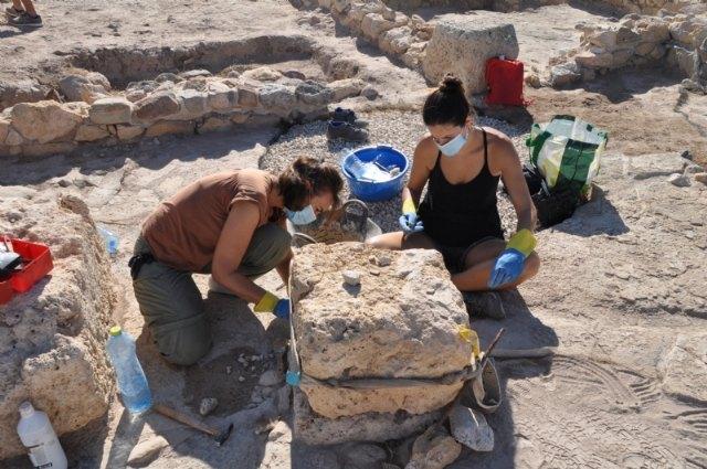 Finalizan los trabajos de mantenimiento y restauración en el yacimiento arqueológico de Las Cabezuelas - 2, Foto 2