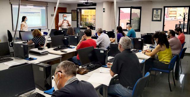 El lunes comienza la labor de los 15 técnicos municipales COVID colaboradores de los centros de salud puestos a disposición del SMS por el Ayuntamiento de Molina de Segura - 1, Foto 1