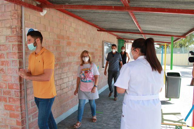 La Alcaldesa asiste al simulacro de entrada y salida a un colegio en la preparación de la vuelta al cole - 1, Foto 1