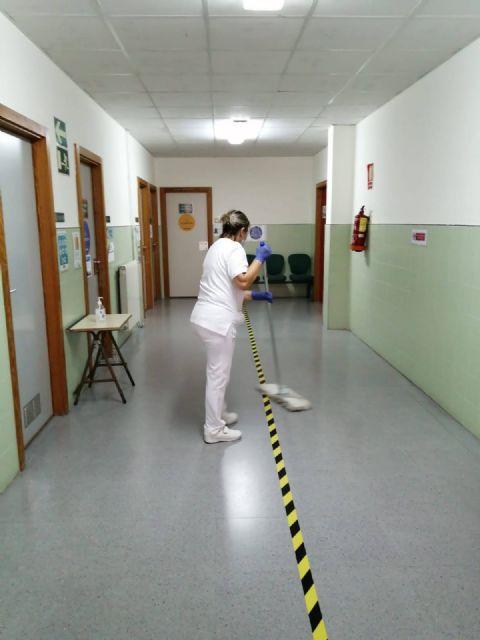 El Ayuntamiento de Molina de Segura ha empleado más de 10.500 horas de trabajo en labores de limpieza y desinfección de los centros educativos de la localidad - 2, Foto 2