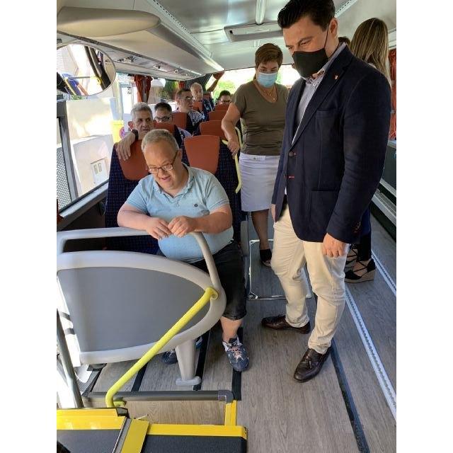 Aidemar abre un nuevo Centro de Día y adquiere un autobús para paliar la reducción de aforo marcada por la pandemia - 4, Foto 4