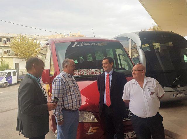 La Comunidad garantiza el transporte público en autobús en Caravaca de la Cruz y Cehegín, Foto 1
