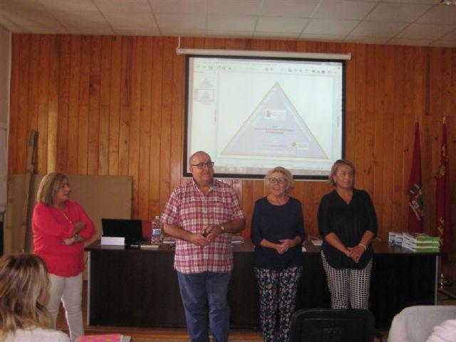 Servicios Sociales se reúne con la Red de Lucha contra La Pobreza para abordar las actuaciones en materia de vivienda - 1, Foto 1
