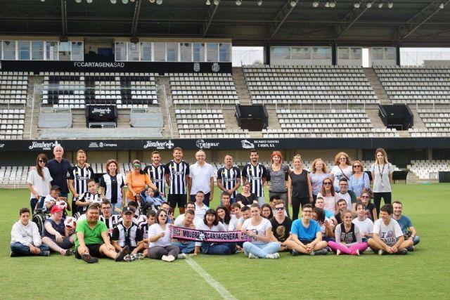 El Programa ADE reúne en el Cartagonova alumnos del Primitiva López con jugadores del Efesé - 1, Foto 1