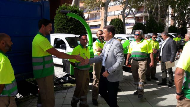 Lorca apuesta por potenciar sus zonas verdes con un 50% más de operarios para su mantenimiento y plantando más de 400 árboles, 10.000 arbustos y 150.000 flores de temporada - 2, Foto 2