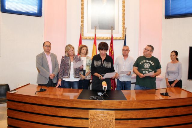 Alcantarilla conmemora el Día Internacional de la Niña, con la lectura de una Declaración Institucional por todos los grupos municipales en el Ayuntamiento - 3, Foto 3