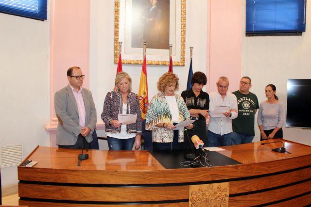 Alcantarilla conmemora el Día Internacional de la Niña, con la lectura de una Declaración Institucional por todos los grupos municipales en el Ayuntamiento - 5, Foto 5