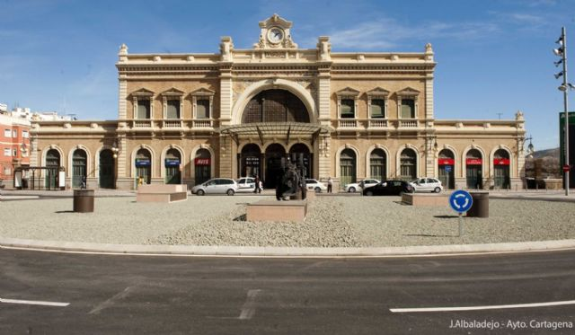 ADIF saca a licitación el contrato para la supervisión de la obra de rehabilitación de la estación de tren - 1, Foto 1