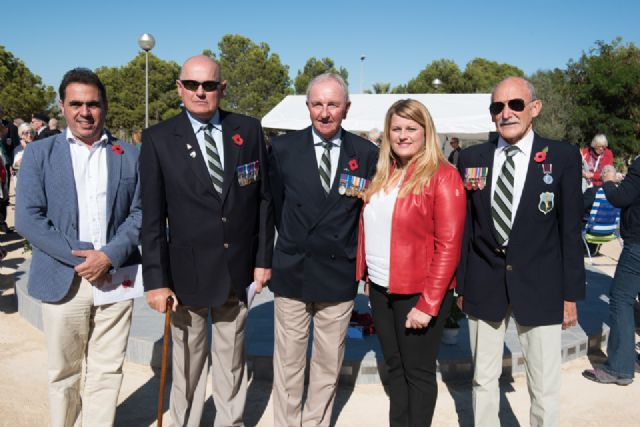 Los residentes británicos celebran en Camposol el día del Armisticio, Foto 1