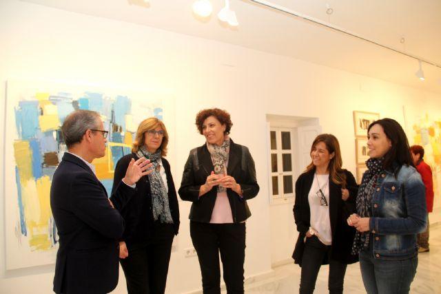 El artista Emilio Pascual presenta su exposición de pintura La maleta del náufrago en Puerto Lumbreras - 1, Foto 1