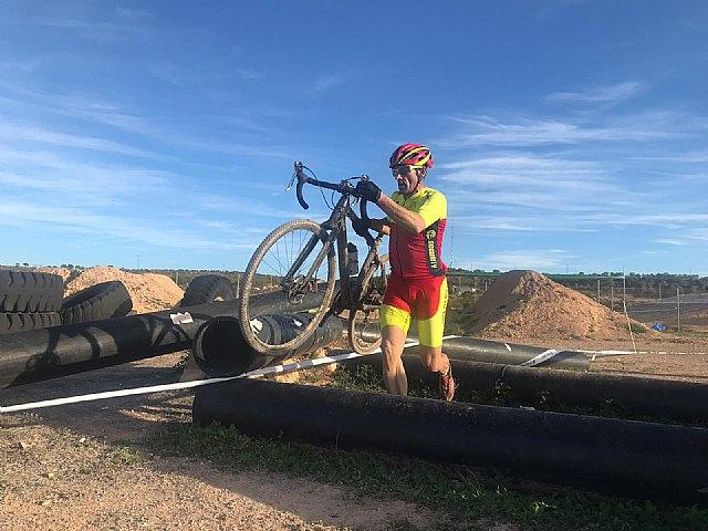 Francisco Cánovas, del Club Ciclista Santa Eulalia, participó en la segunda prueba del circuito de ciclocros de la región de Murcia