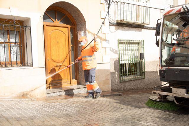 El Ayuntamiento de Caravaca realiza actuaciones intensivas de limpieza y desinfección progresivamente y de forma semanal por barrios y pedanías - 2, Foto 2