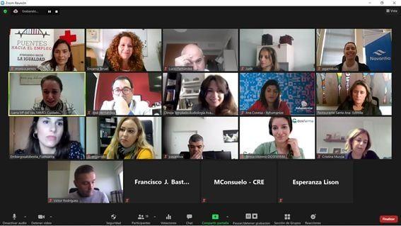 Una veintena de empresas reflexionan sobre empleabilidad de la mujer en dificultad social, la conciliación y la flexibilidad laboral - 2, Foto 2