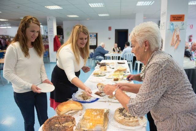 La asociación ecuménica recauda más de 1.100 euros en su tradicional comida benéfica de adviento, Foto 2