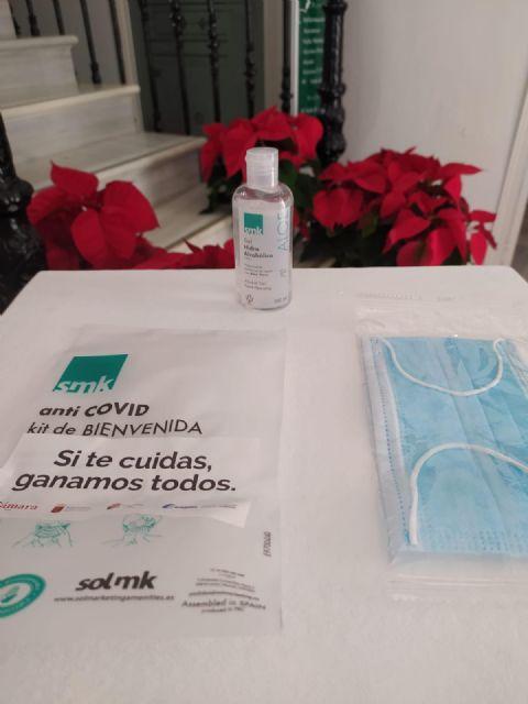 El Ayuntamiento repartirá más de 5000 kits de mascarilla y gel hidroalcohólico para fomentar las compras y la seguridad en el comercio local - 2, Foto 2