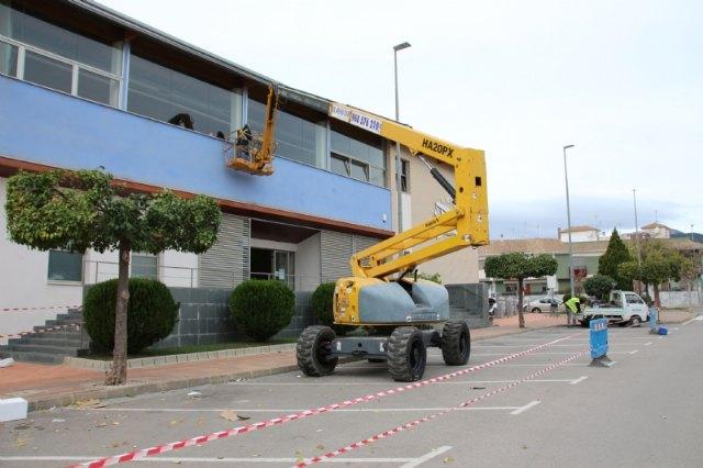 Deportes renueva el suelo de la sala polivalente y repara la fachada de la piscina cubierta - 2, Foto 2