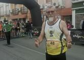 Juan Francisco Garc�a, del Club Atletismo Totana, particip� en la carrera popular de Vera