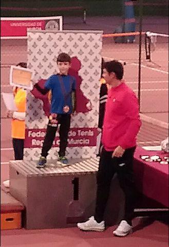 La Escuela de Tenis Kuore Totana participó en una jornada de