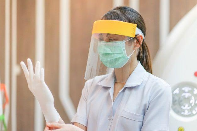 Las medidas de seguridad por la pandemia dificultan la labor de los dentistas - 1, Foto 1