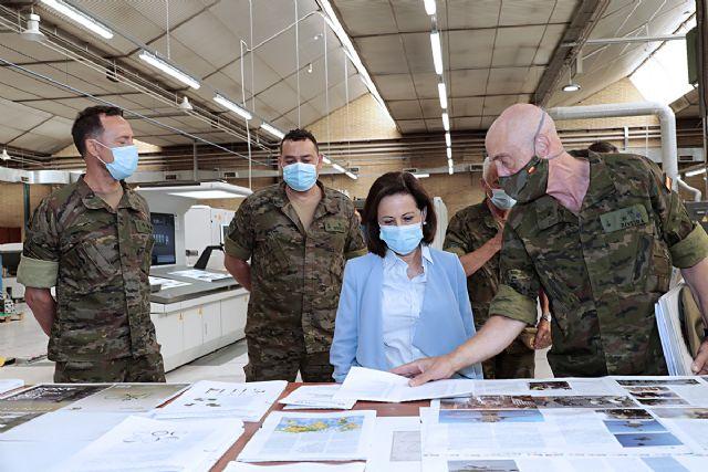 Robles defiende que la modernización de las Fuerzas Armadas y la creación de puestos de trabajo deben estar vinculadas - 1, Foto 1