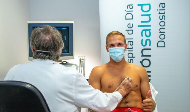 Johnny Dee, del Delteco GBC, realiza el reconocimiento médico en el Hospital de Día Quirónsalud Donostia - 1, Foto 1