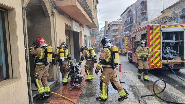 Incendio en un cuarto de contadores de un edificio de Santomera - 1, Foto 1