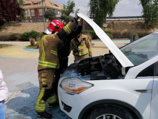Bomberos sofocan incendio de vehículo en Puerto Lumbreras - 1, Foto 1
