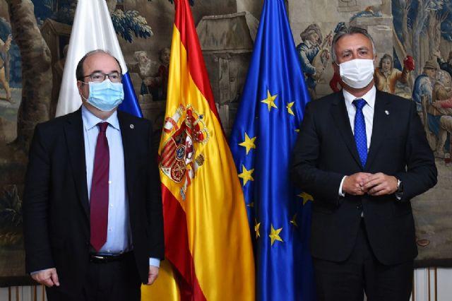 Miquel Iceta y Ángel Víctor Torres acuerdan el inicio de los trabajos para constituir una mesa bilateral entre el Estado y Canarias - 1, Foto 1