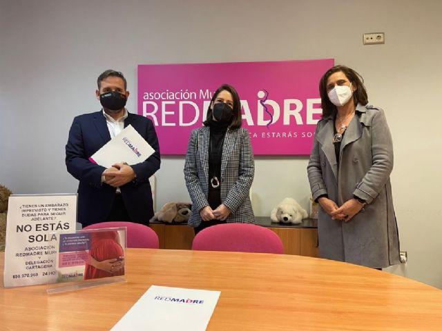 Fundación El Mosca hace una importante donacin de pañales a la Asociacin REDMADRE - 1, Foto 1