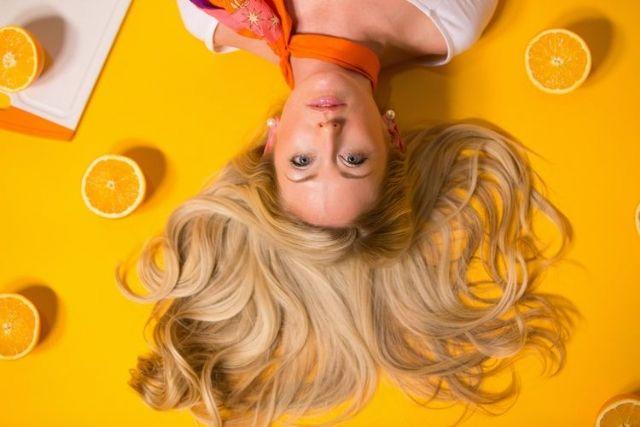 Blow Dry Bar explica las claves para cuidar el cabello rubio en verano - 1, Foto 1