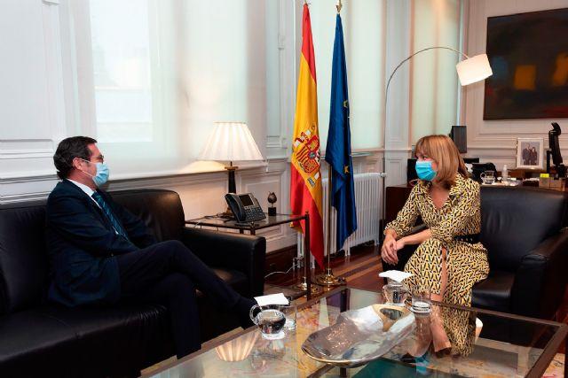 La ministra de Educación y Formación Profesional se reúne con el presidente de la CEOE - 1, Foto 1