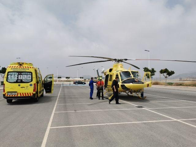 Evacuado por aire y trasladado al hospital un senderista afectado por golpe de calor en la Sierra de las Moreras, de Mazarrón - 1, Foto 1