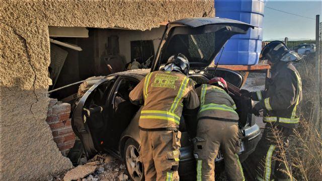 Conductora herida tras empotrar su coche contra una vivienda en Alquibla (Ojós) - 1, Foto 1