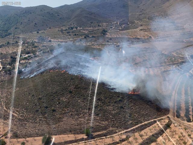 Estabilizado un incendio forestal en Mazarrón, Foto 1