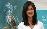 La pintora Perla Fuertes expone su obra en su pueblo natal