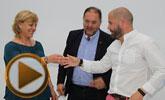El alcalde y la concejal de Desarrollo Económico suscriben el contrato con Arcaelum para su instalación en el Vivero de Empresa